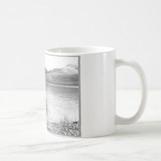 カヌーの男の子 コーヒーマグカップ