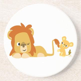 カブスのかわいい漫画のライオンのパパおよびコースター コースター