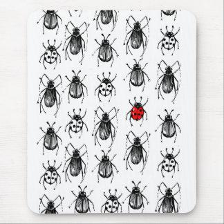カブトムシおよびてんとう虫 マウスパッド