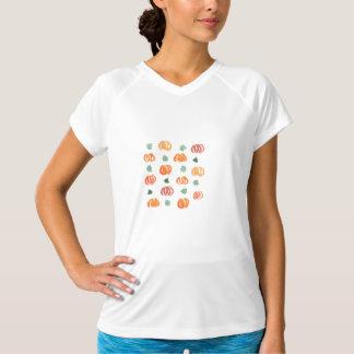 カボチャが付いている女性の性能のTシャツ Tシャツ