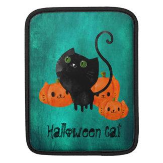 カボチャを持つハロウィンかわいい猫 iPadスリーブ