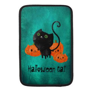 カボチャを持つハロウィンかわいい猫 MacBook スリーブ