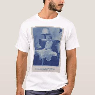 カミラの角1928年 Tシャツ