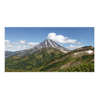 カムチャツカ半島の夏のVilyuchinskyの美しい火山 カード
