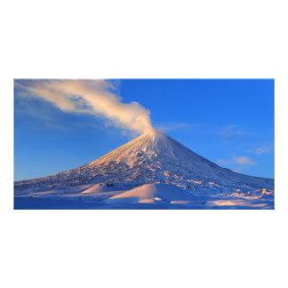 カムチャツカ半島の火山Klyuchevskaya Sopka。 ロシア カード