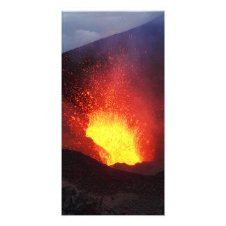 カムチャツカ半島のTolbachikの火山の噴火。 ロシア カード