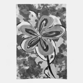 カムフラージュの花 キッチンタオル