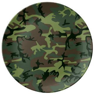 カムフラージュの迷彩柄の緑のブラウンパターン 磁器プレート