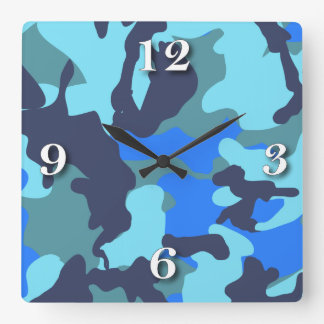 カムフラージュの青 時計