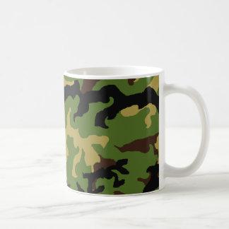 「カムフラージュ軍の捧げ物」のマグ コーヒーマグカップ