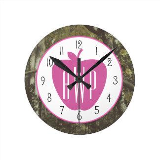 カムフラージュ + Appleのピンクのモノグラムのな先生 時計