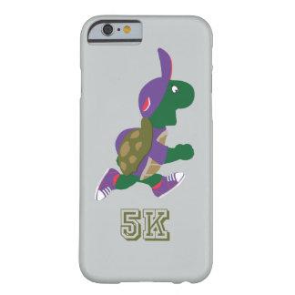 カメのランナー5K -紫色 BARELY THERE iPhone 6 ケース