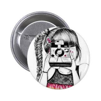 カメラの女の子 5.7CM 丸型バッジ