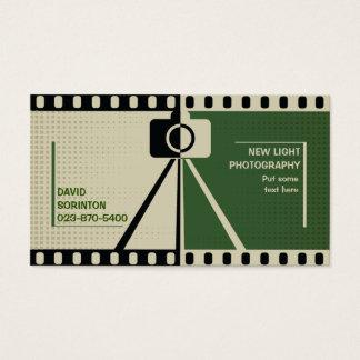 カメラマンのカメラの写真撮影の黒、緑ベージュ色 名刺