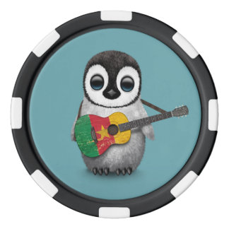 カメルーンの旗のギターの青を遊んでいるベビーのペンギン ポーカーチップ