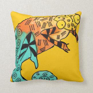 カメレオンインク黄色の子供の枕 クッション
