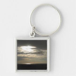 カモシカの島の雲を通した日曜日 キーホルダー