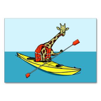 カヤックを漕いでいるキリン カード