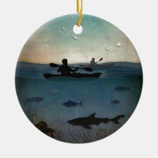 カヤックを漕ぐ海 セラミックオーナメント
