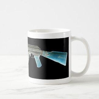 カラシニコフ自動小銃の否定的な青 コーヒーマグカップ