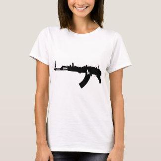 カラシニコフ自動小銃NYのスカイライン Tシャツ
