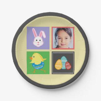 カラフルでかわいいイースターのウサギおよび卵のカスタムの写真 ペーパープレート