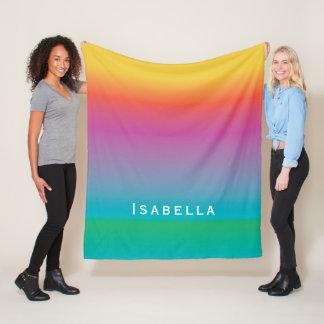 カラフルでかわいい虹の勾配のグラデーションなモノグラム フリースブランケット