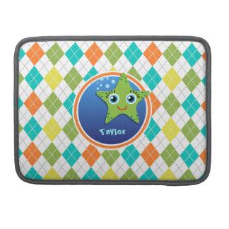 カラフルでアーガイル柄のなパターンの緑のヒトデ MacBook PROスリーブ