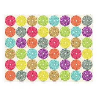 カラフルでガーリーな春のパステル調の円ディスクパターン ポストカード