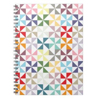 カラフルで幾何学的な風車 ノートブック