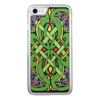 カラフルで華美なアイルランドのケルト結び目模様 CARVED iPhone 8/7 ケース