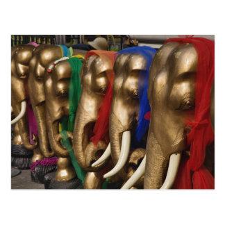 カラフルと飾られる金象 ポストカード