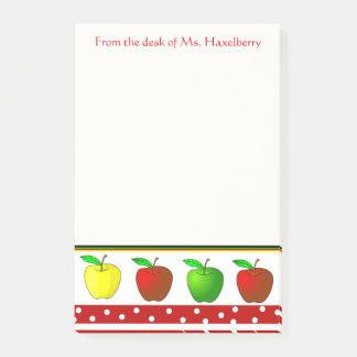 カラフルなりんごの先生の名前入りなメモ帳 ポストイット