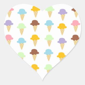カラフルなアイスクリームコーン ハートシール