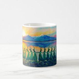 カラフルなアルメニアのダンサーのマグ2 コーヒーマグカップ