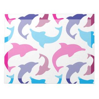カラフルなイルカパターンショッキングピンクのティール(緑がかった色)の青 ノートパッド