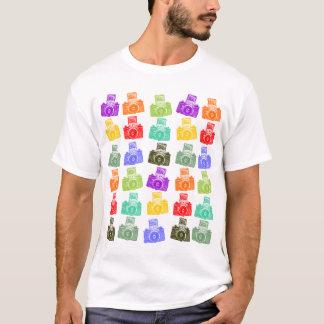 カラフルなカメラ Tシャツ