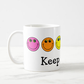 カラフルなスマイリーフェイスは微笑を保ちます コーヒーマグカップ