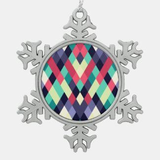 カラフルなダイヤモンドの幾何学的なパターン スノーフレークピューターオーナメント