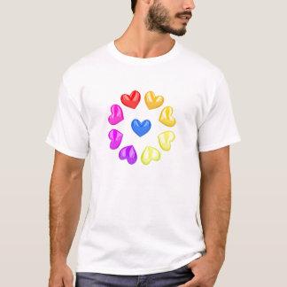 カラフルなハート Tシャツ