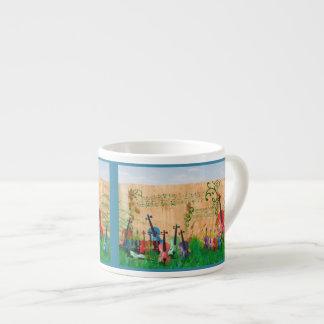 カラフルなビオラのバイオリンのチェロ果樹園 エスプレッソカップ