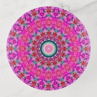カラフルなピンクおよび水の曼荼羅の芸術 トリンケットトレー