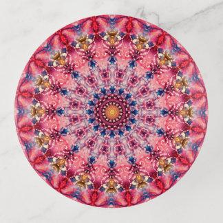 カラフルなピンクおよび赤い曼荼羅の芸術 トリンケットトレー