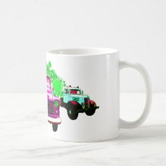 カラフルなピンクのヴィンテージのトラック コーヒーマグカップ