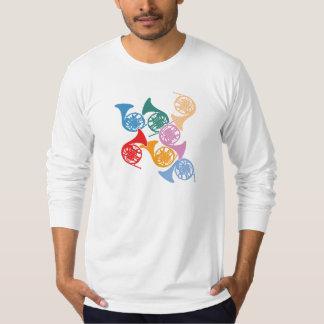 カラフルなフレンチ・ホルン Tシャツ