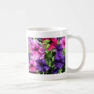 カラフルなペチュニア コーヒーマグカップ