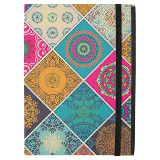 """カラフルなボヘミアの曼荼羅のパッチワーク iPad PRO 12.9"""" ケース"""