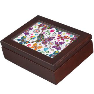 カラフルなレトロの蝶および花模様 ジュエリーボックス