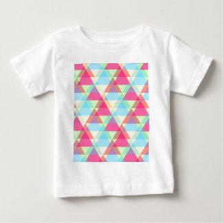 カラフルな三角形パターン ベビーTシャツ