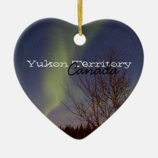 カラフルな北の空; ユーコン準州領域の記念品 セラミックオーナメント